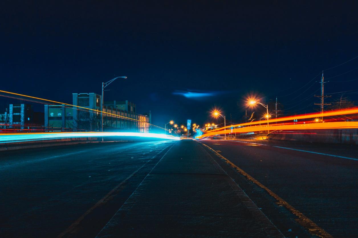 Oświetlenie uliczne LED to oszczędności i bezpieczeństwo. I to nie tylko uczestników ruchu
